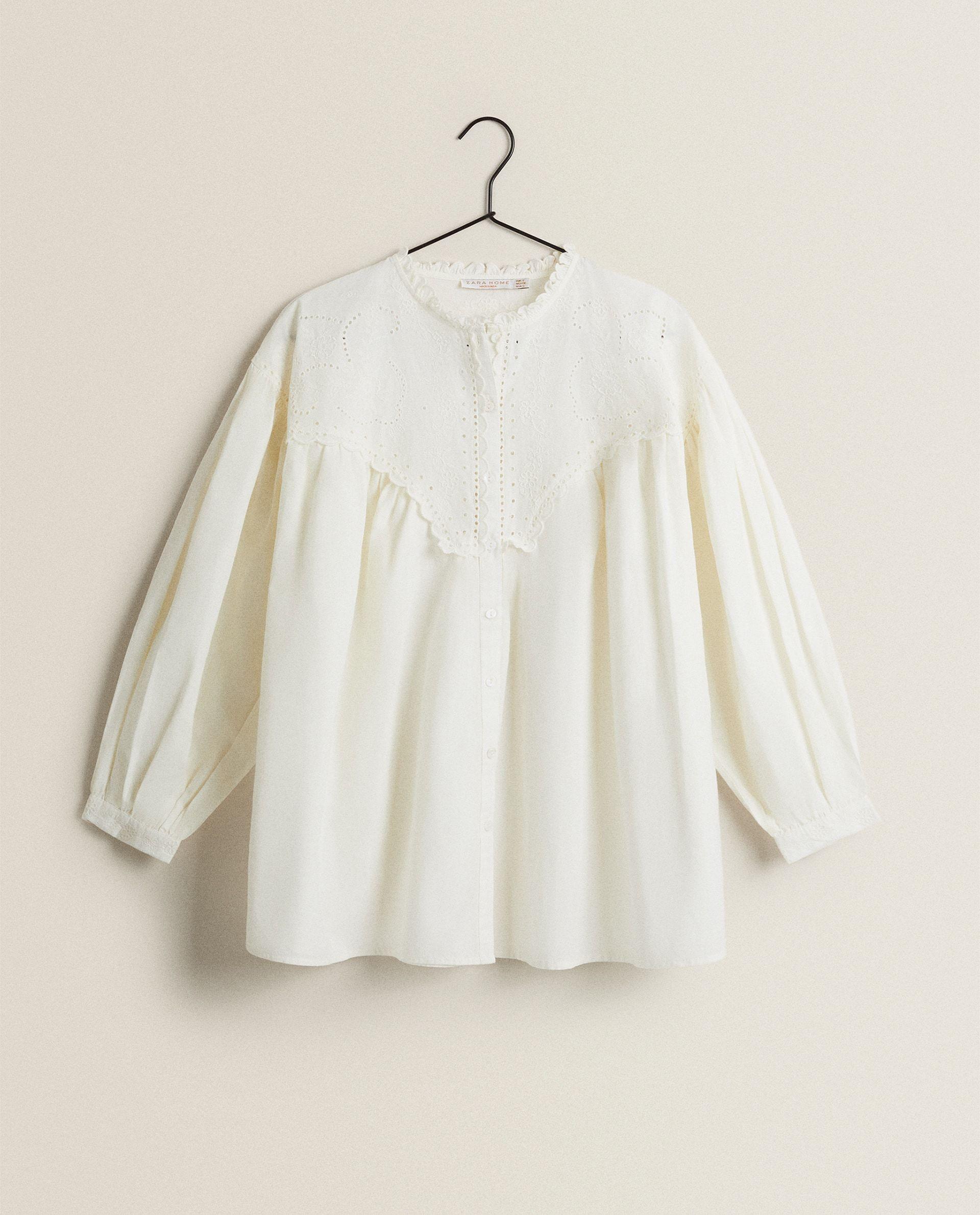 Blusa bordada de Zara Home, 39,90 euros.