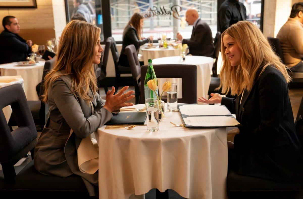 Jennifer Aniston y Reese Witherspoon en un fotograma de la segunda temporada.