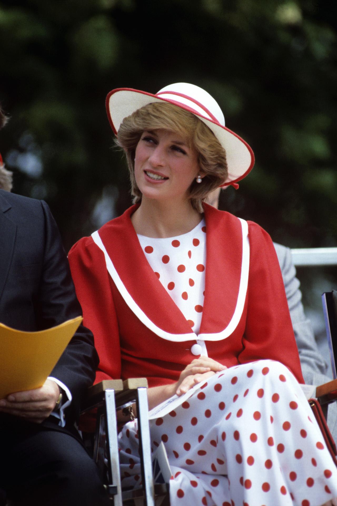 Vestido y chaqueta, Lady Di (1983)