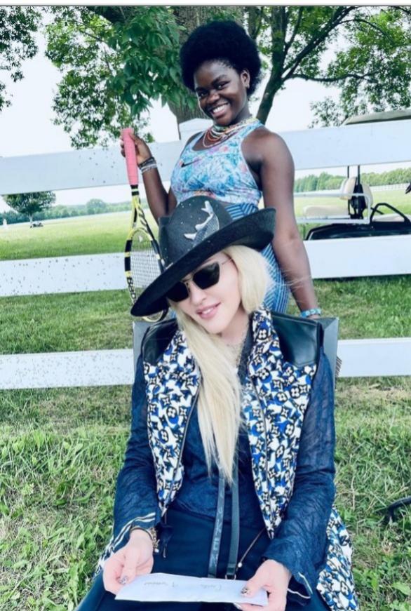 Madonna y Mercy James