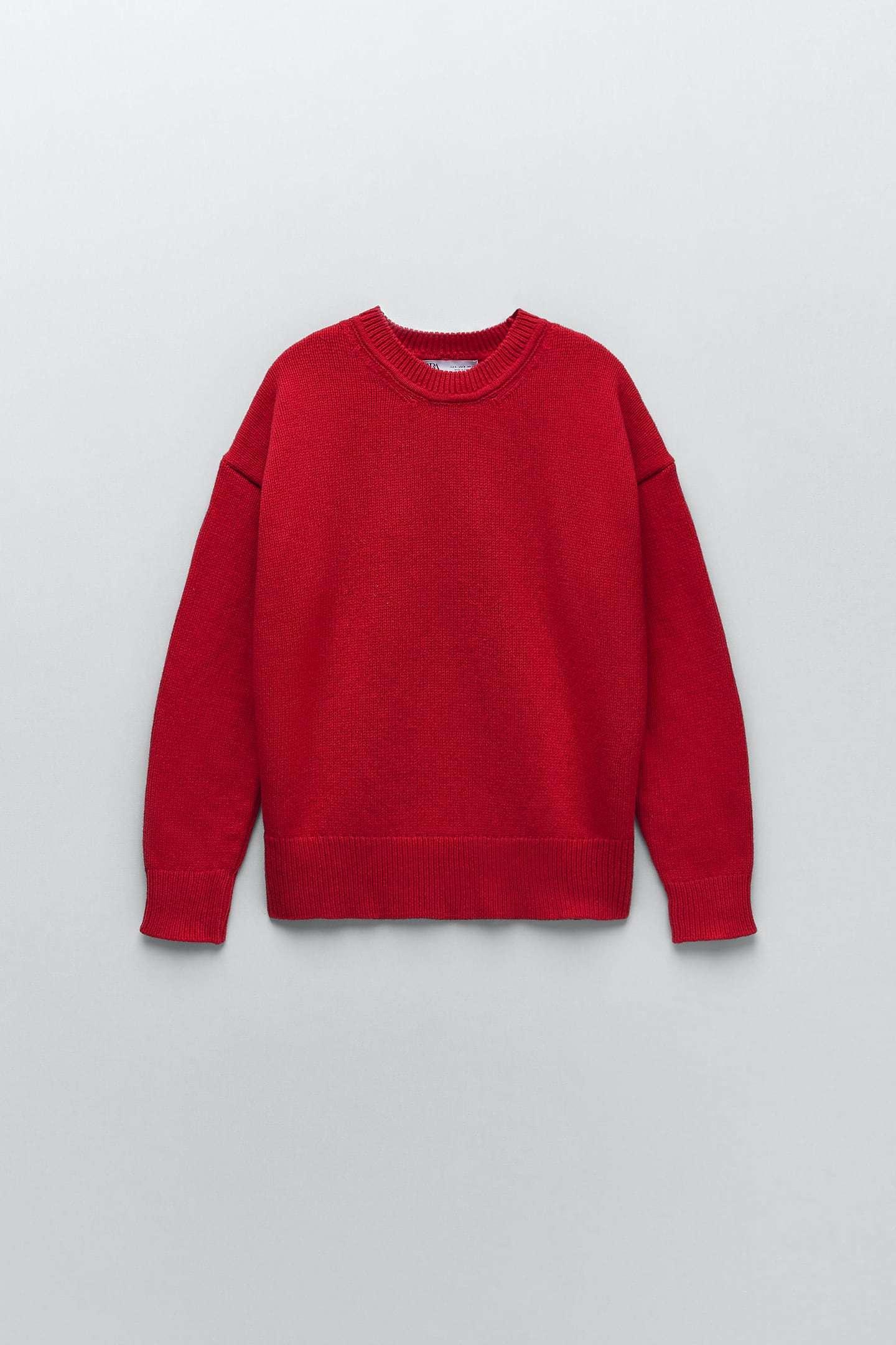 Jersey rojo, de Zara.