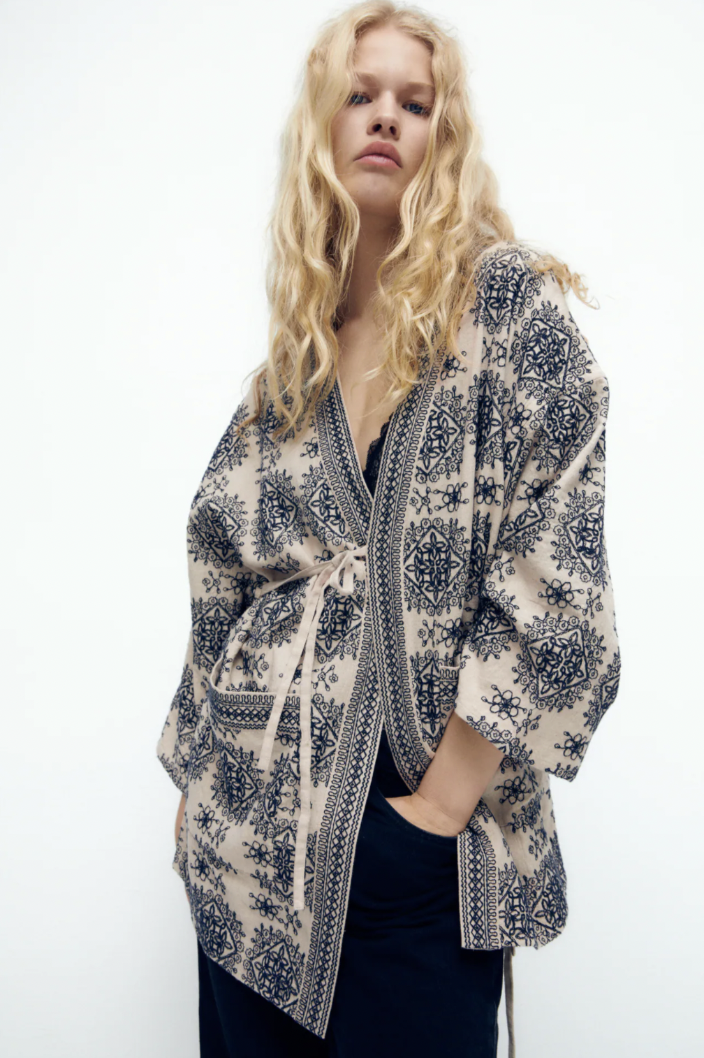 El kimono es una de las chaquetas más versátiles y cómodas para el entretiempo
