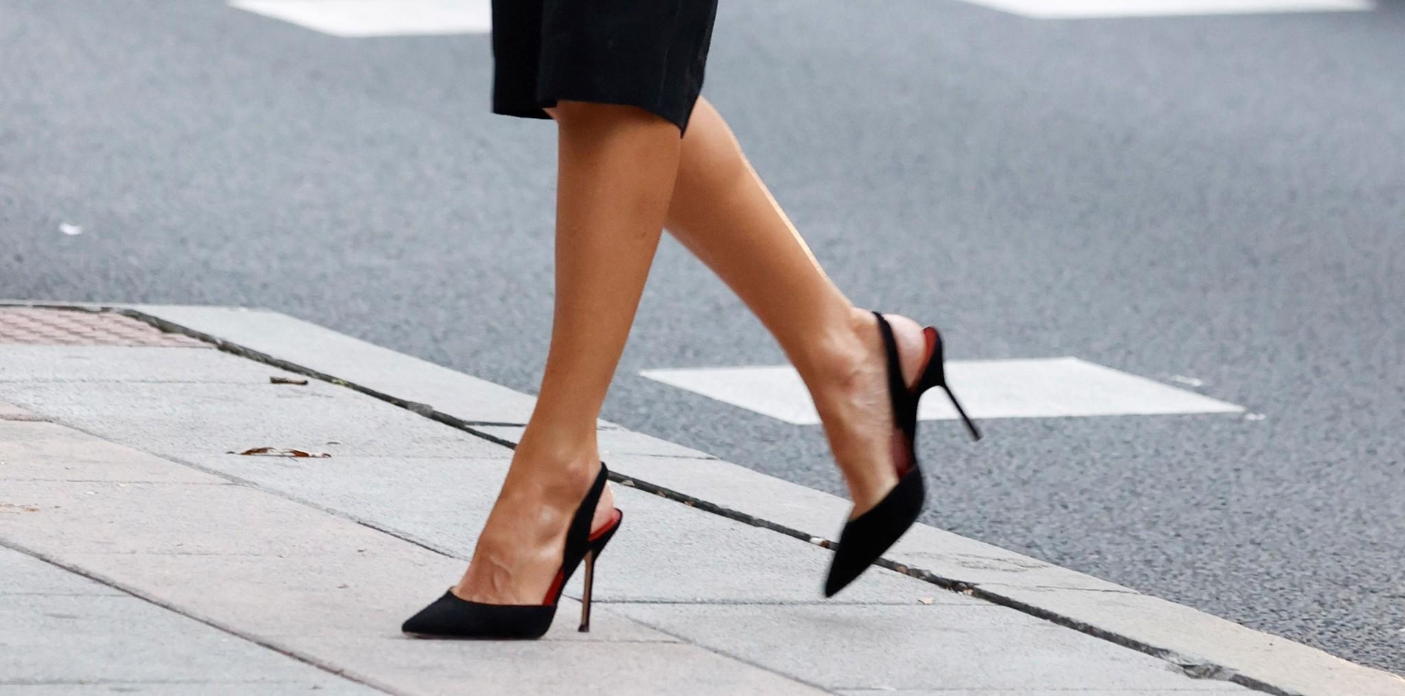 Los zapatos de Carolina Herrera de la reina.