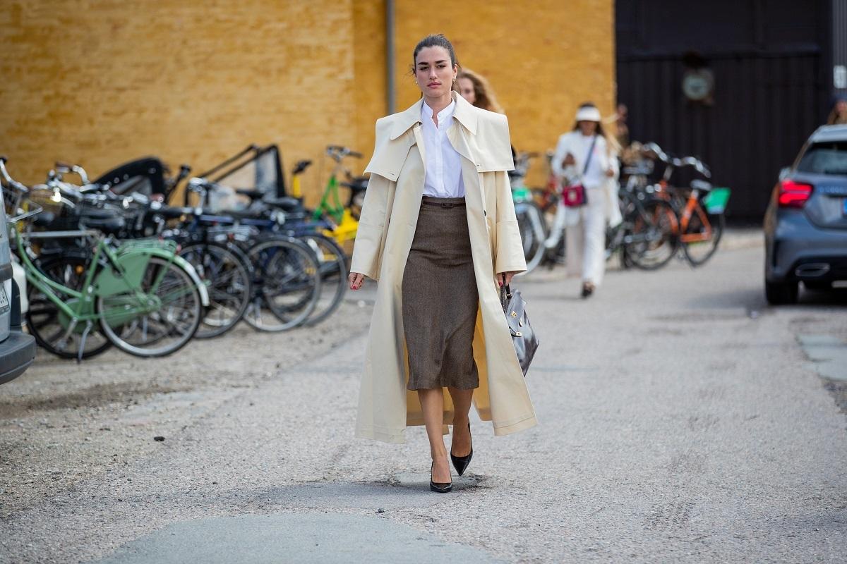 La falda tubo vuelve a ser una de las más buscadas del otoño.