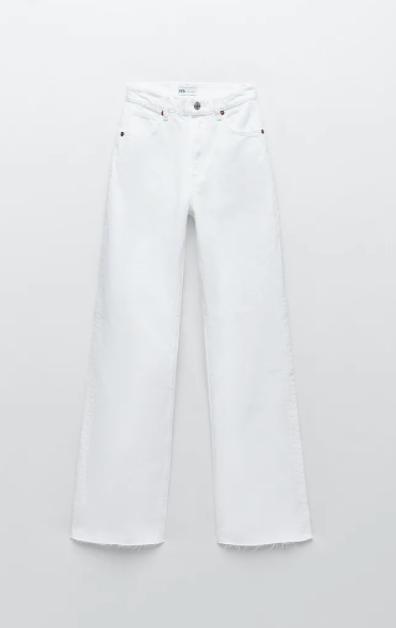 Vaquero blanco, de Zara.