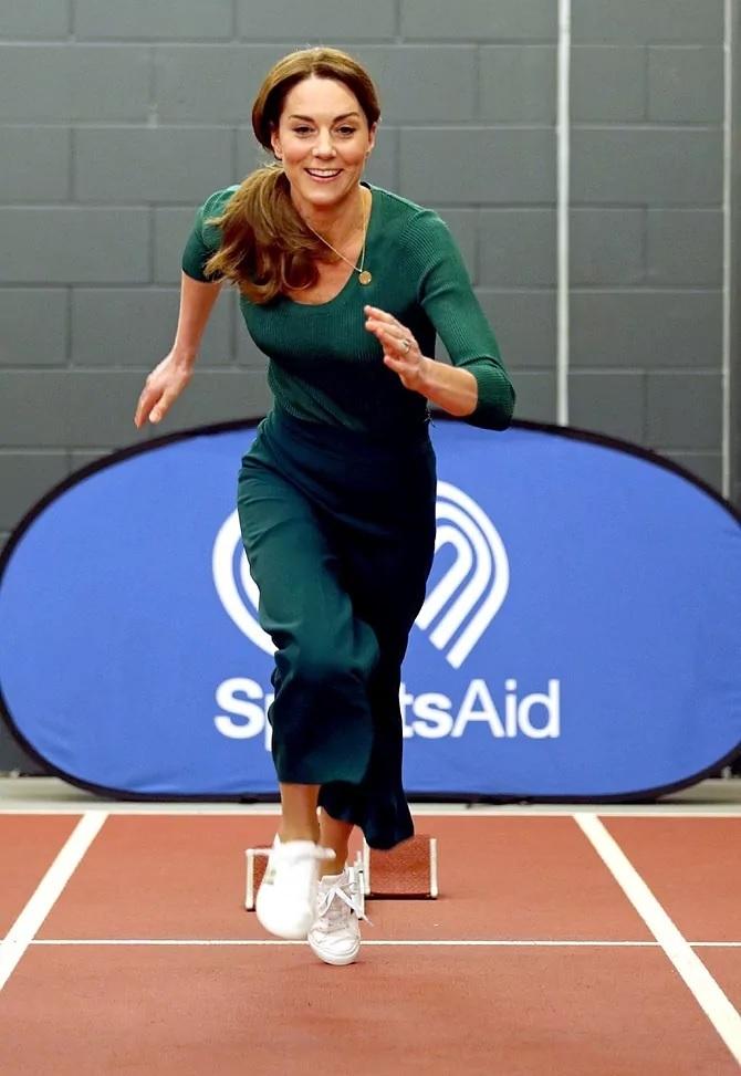 Kate Middleton ha llegado a demostrar su habilidad en el running en actos públicos.