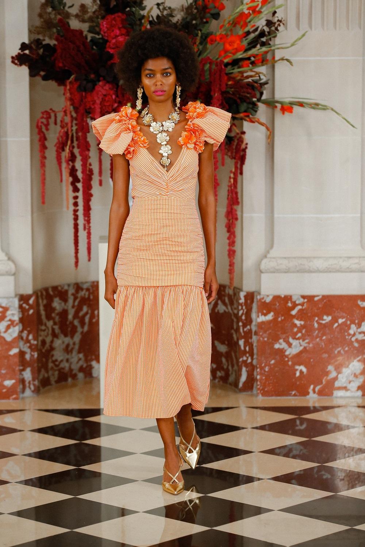 Vestido midi de Carolina Herrera NY.