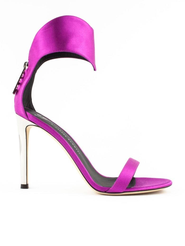 Sandalias de Giuseppe Zanotti por 687 euros