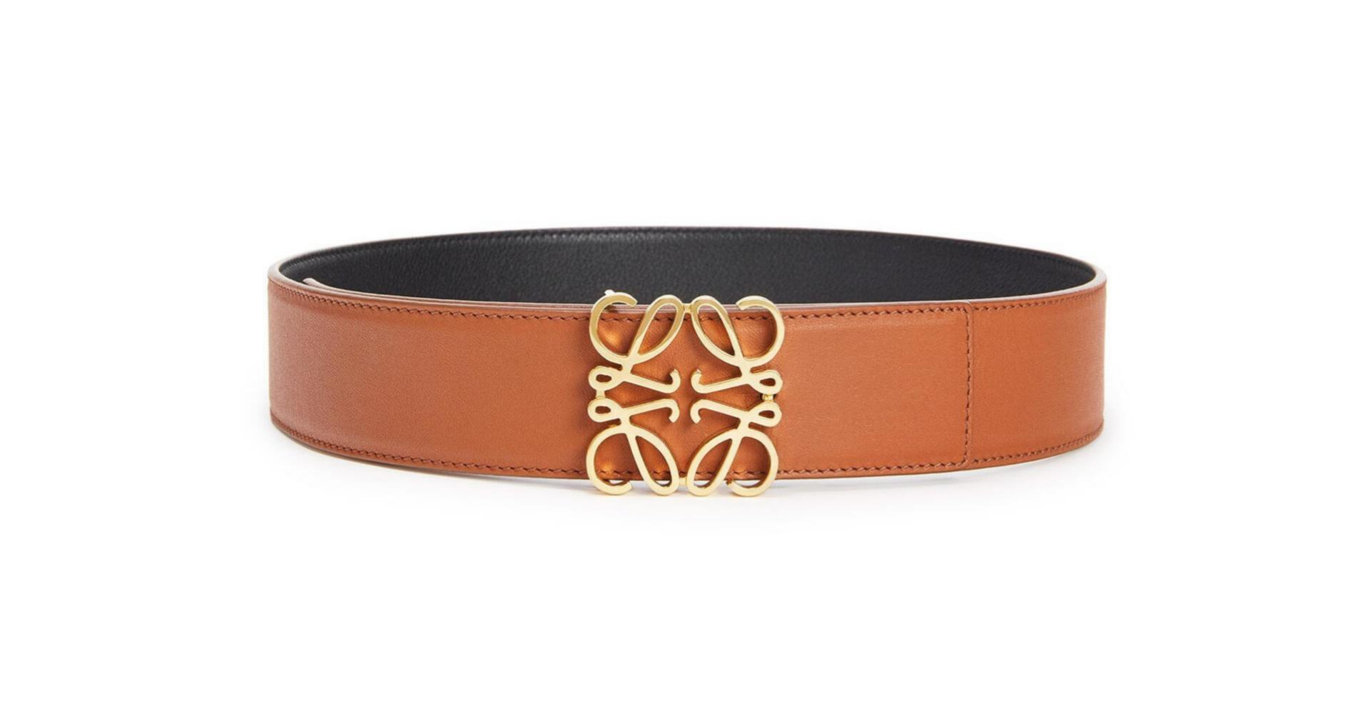 Cinturón de piel de becerro de Loewe (395 euros)