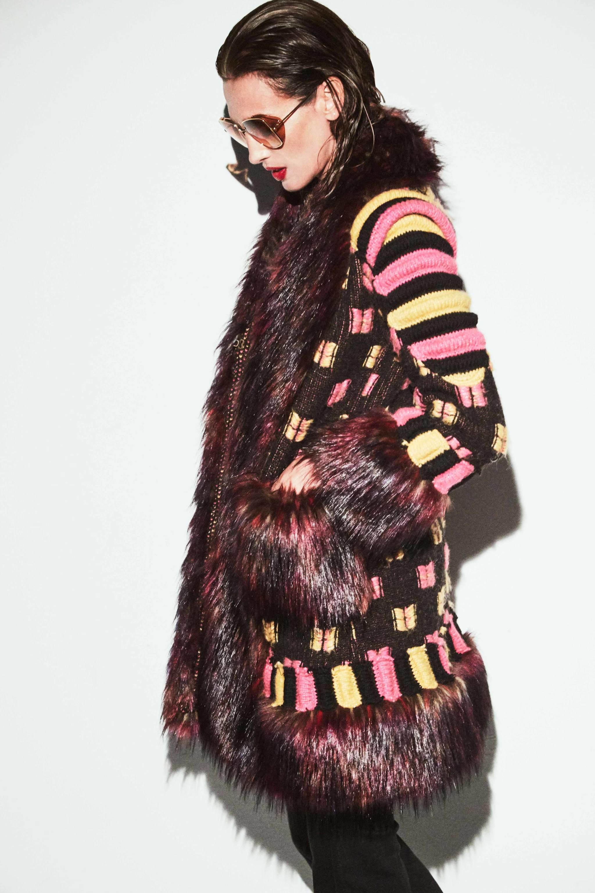 Nieves Álvarez con el modelo Selvaggia, de The Extreme Collection X Nieves Álvarez.
