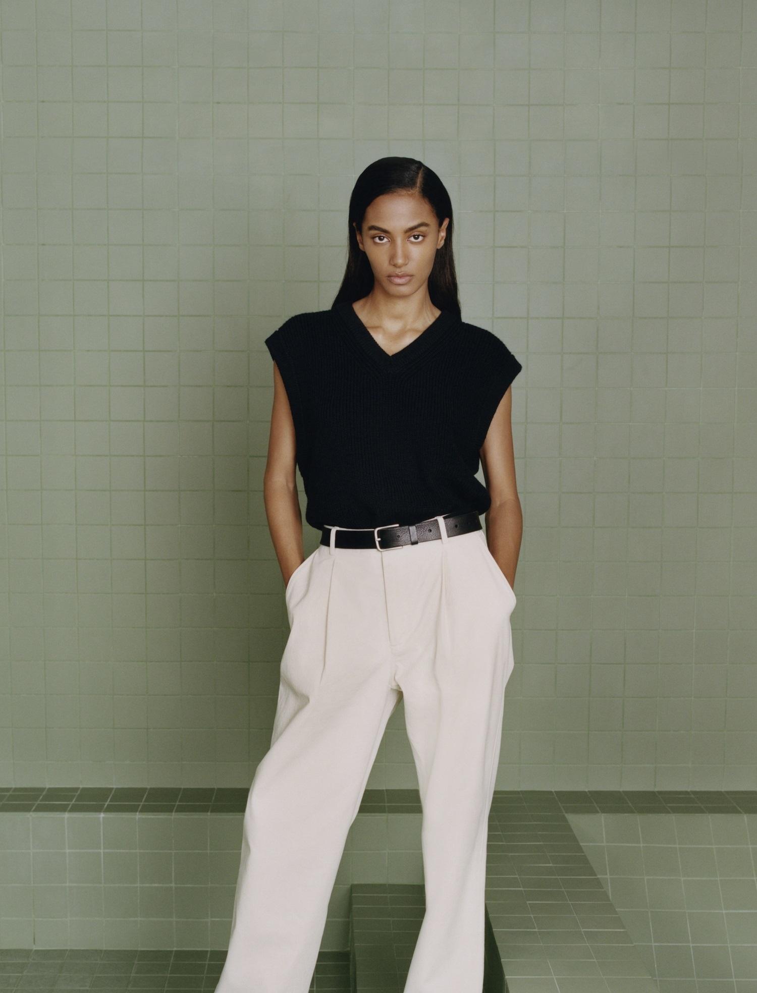 Calidad y minimalismo en la colección Origins de Zara.