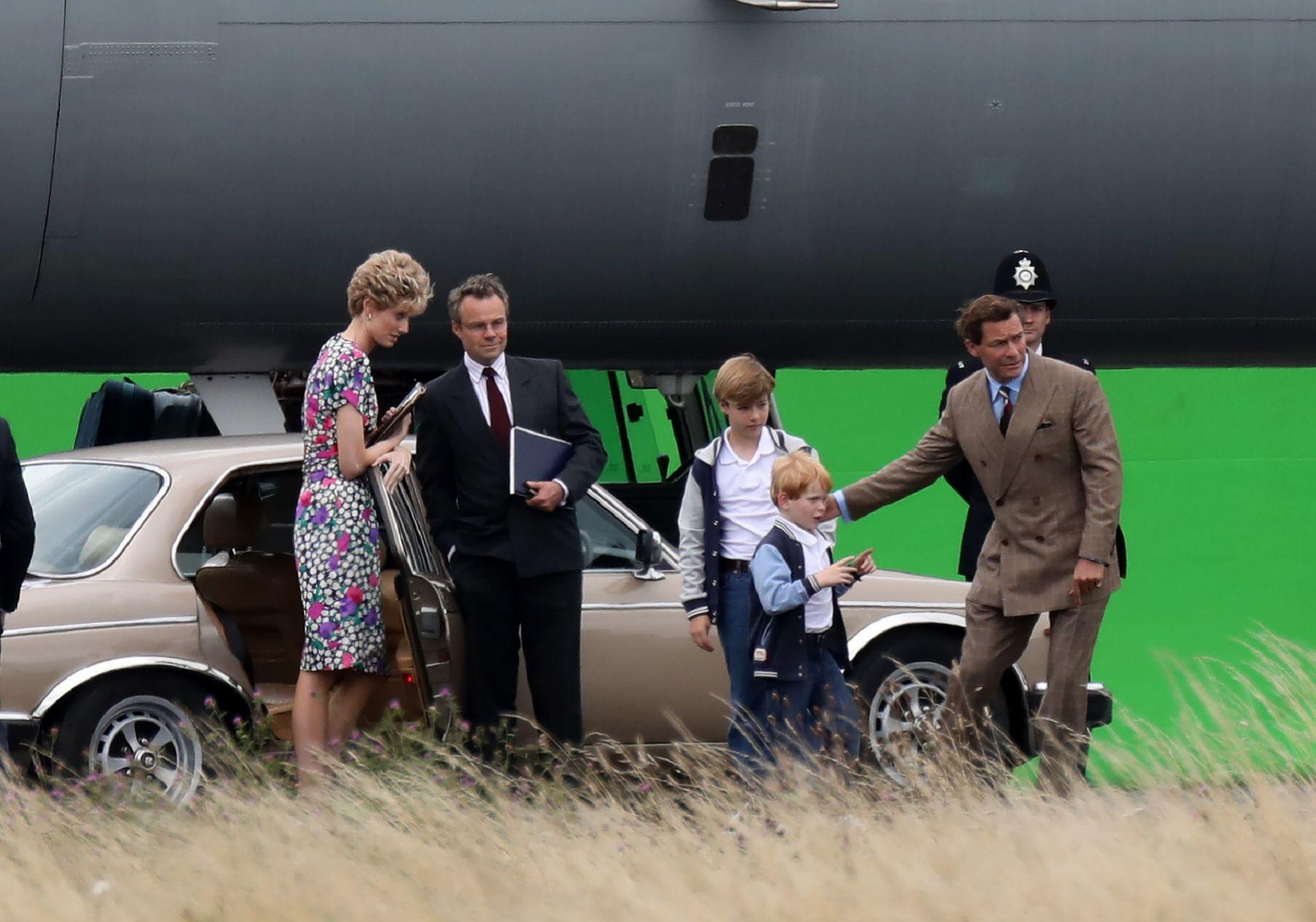 Los actores que hacen el papel de Guillermo, Harry y el príncipe de Gales