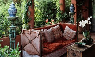 Porche de la casa de Marisa Berenson en Marrakech.