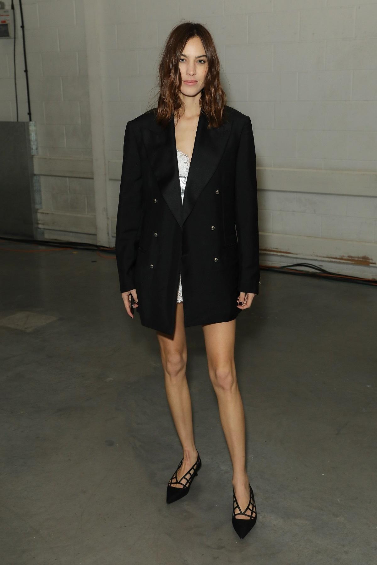 Alexa Chung con blazer XL.