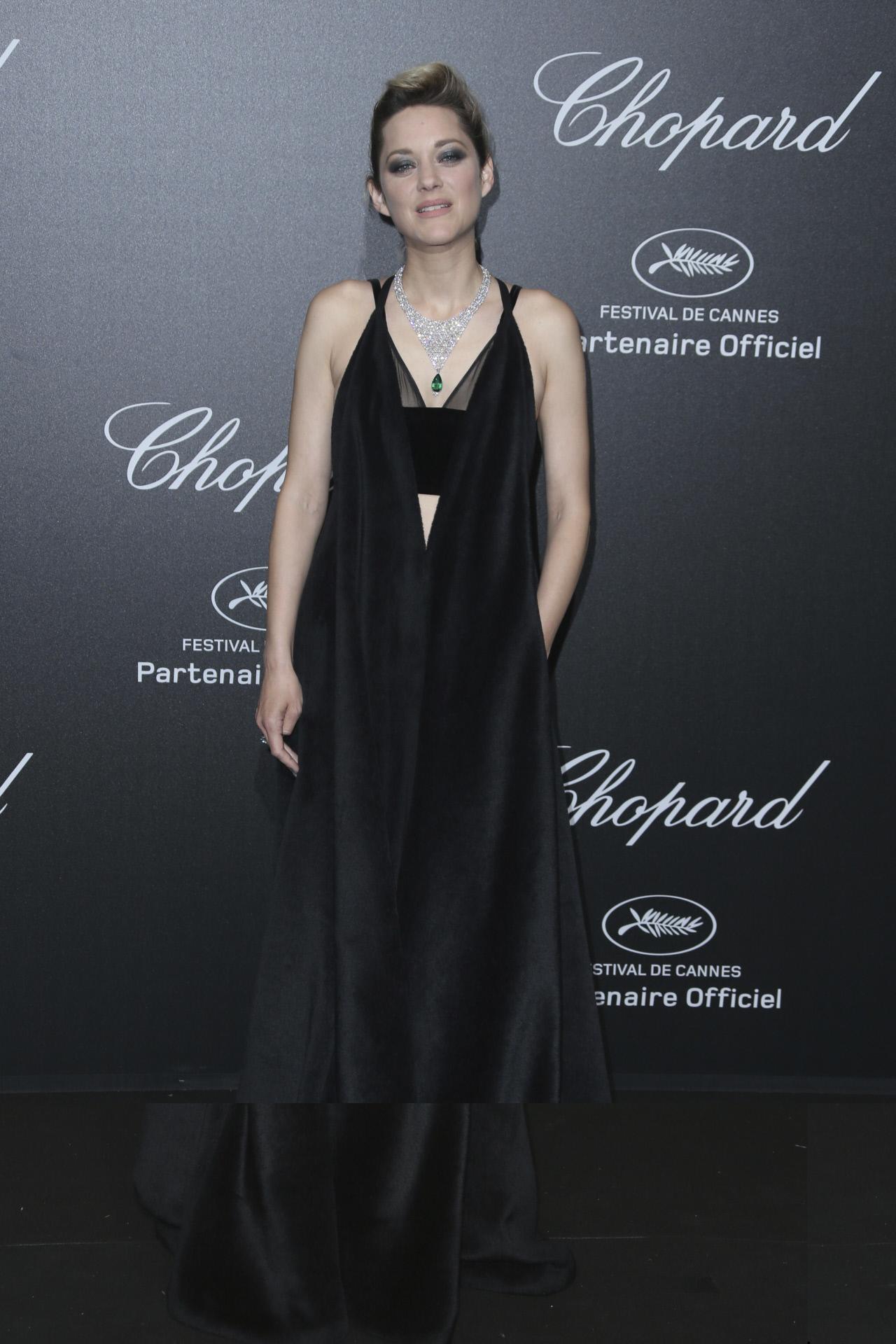 Un look muy parecido fue el que escogió ya en 2018 para la fiesta de Chopard en el Festival de Cannes. Se llama coherencia.