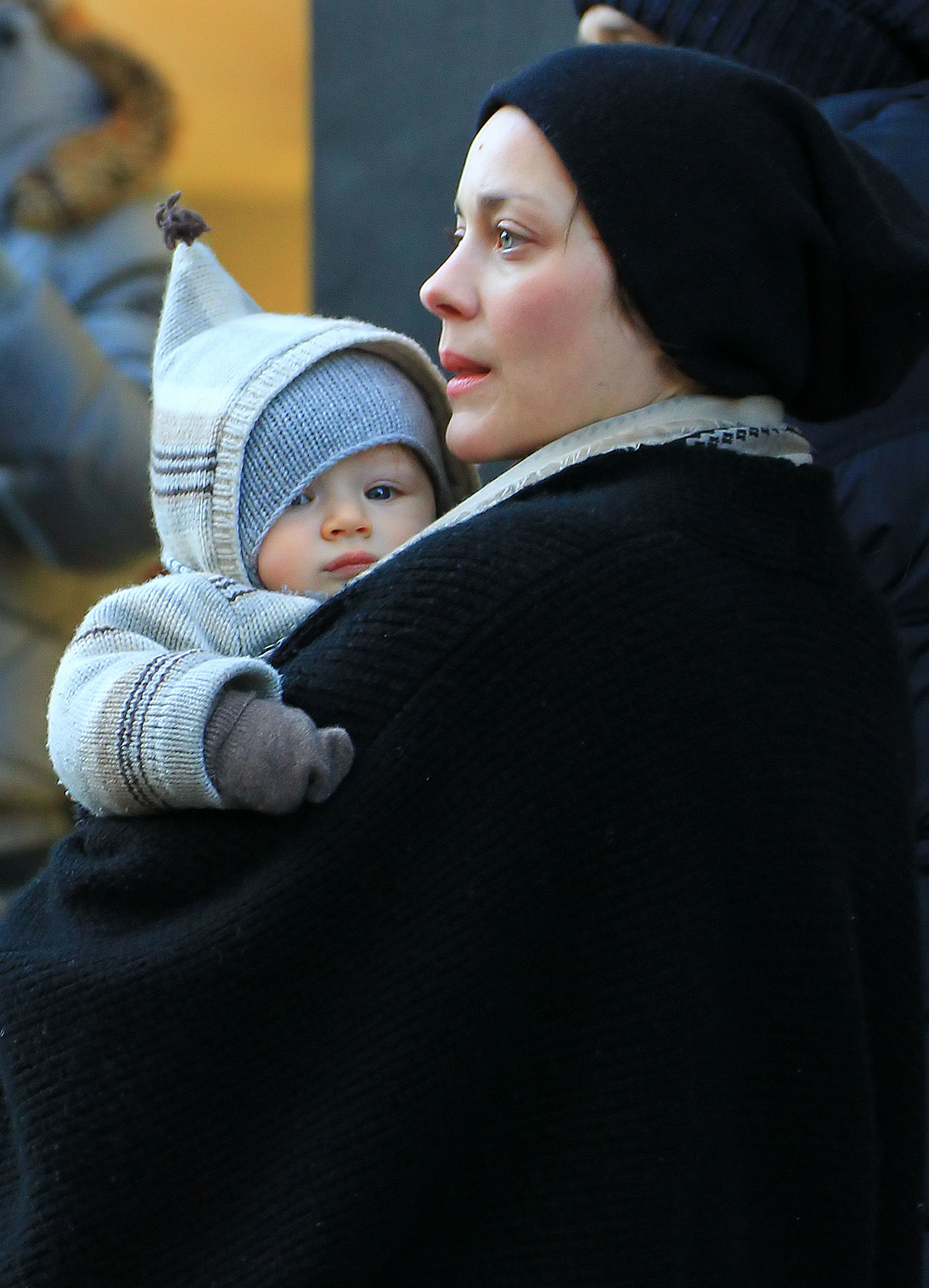 Marion con su hijo Marcel que tuvo con el actor y director francés Guillaume Canet