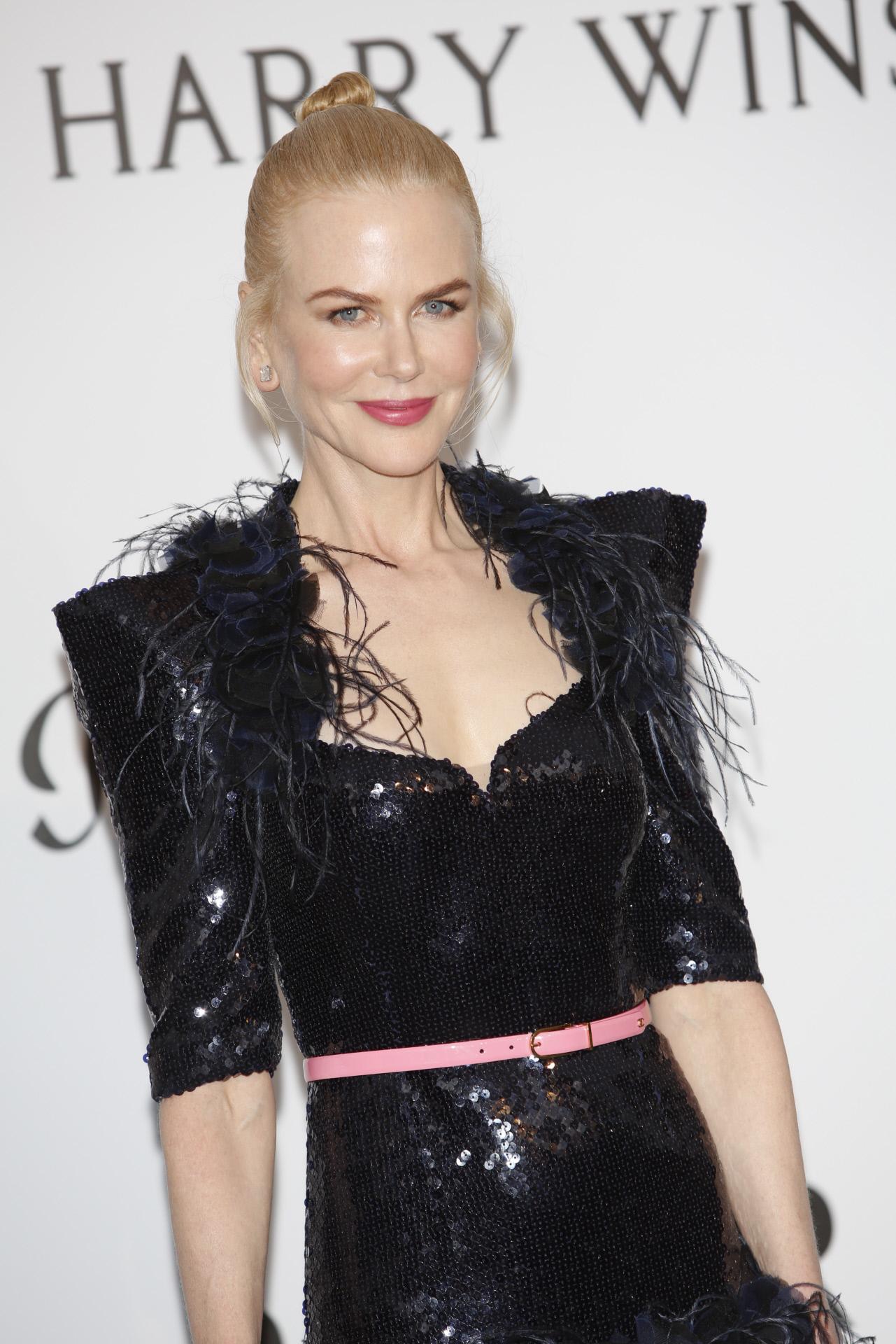 Nicole Kidman con moño de bailarina, un recogido fácil para hacer en 5 minutos.