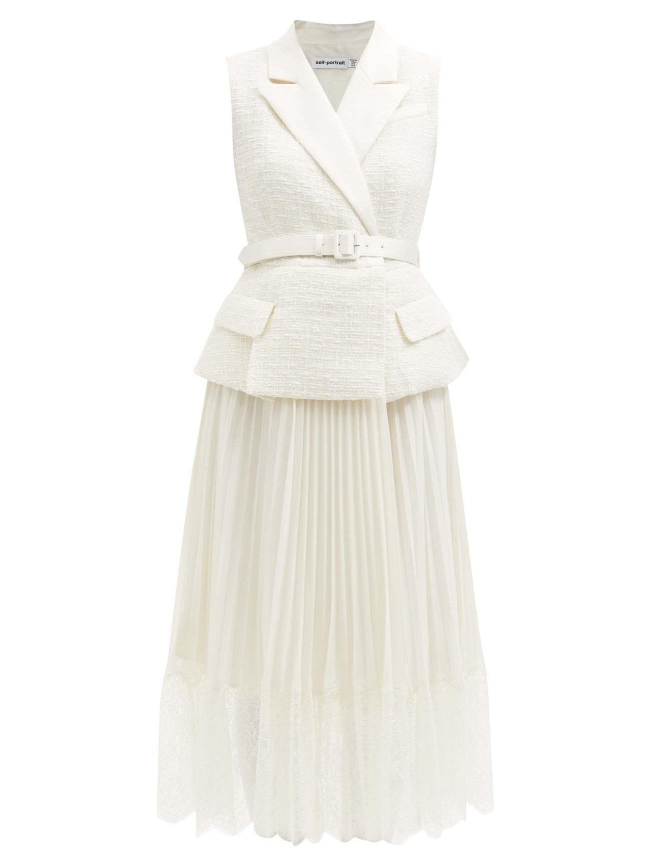 El vestido elegido por Kate Middleton para esta ocasión era de Self Portrait y puede comprarse con o sin mangas (400 euros).