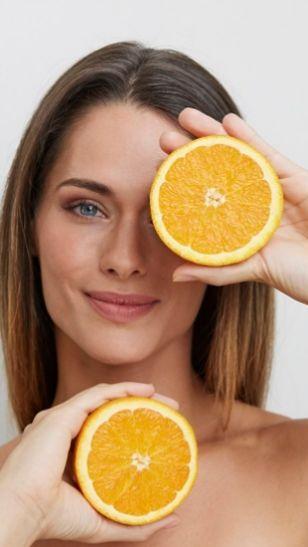 La vitamina C es imprescindible en la formación de colágeno.