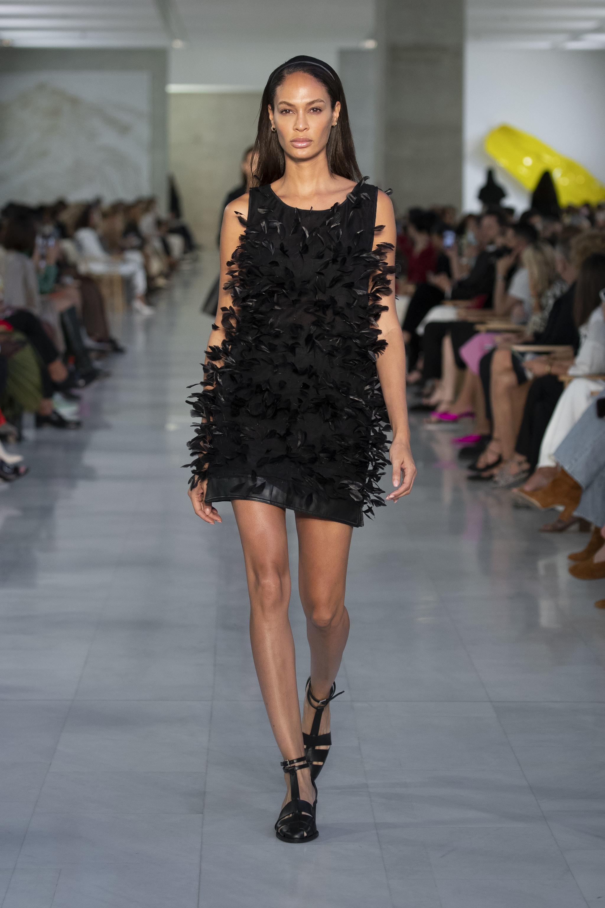 Little black dress de Max Mara.