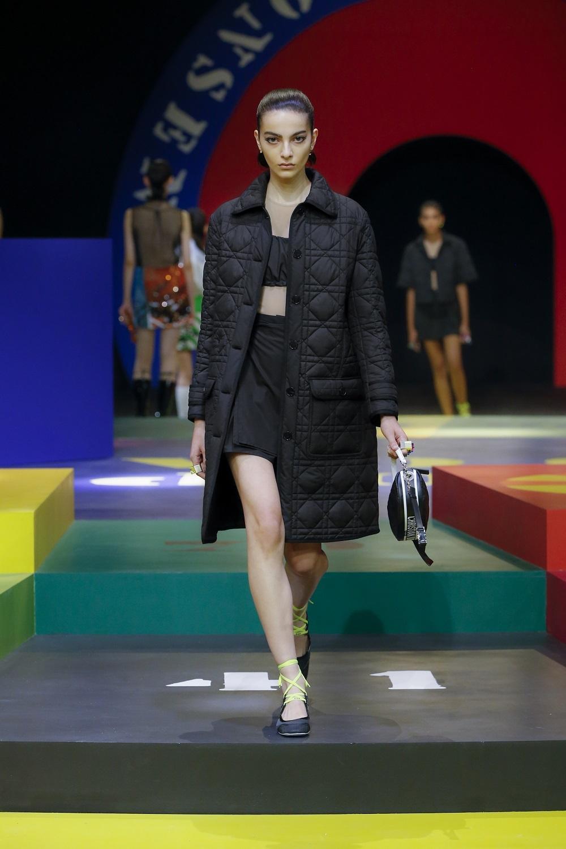 Abrigo acolchado de la colección primavera-verano 2022 de Dior.