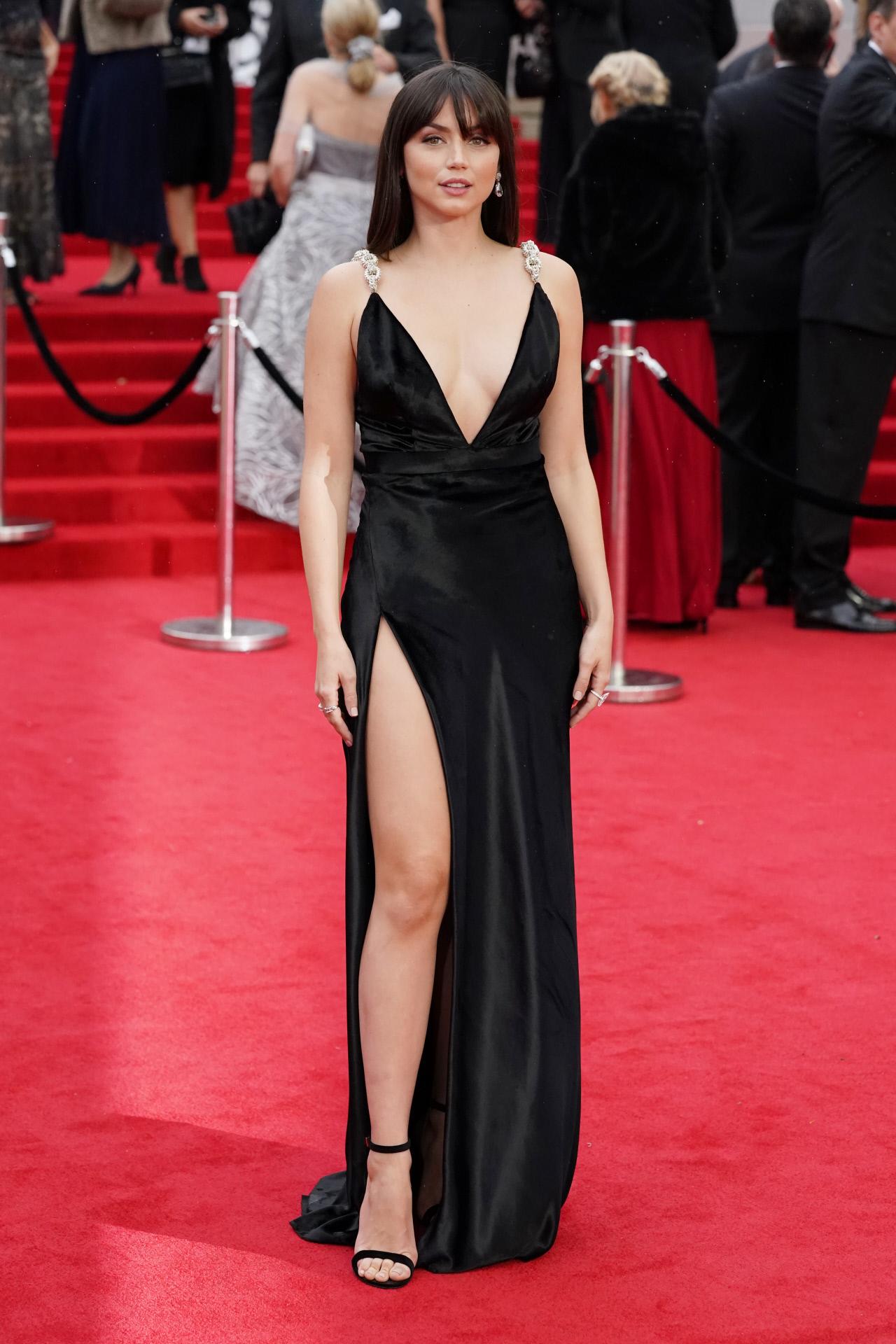 Vestido de Ana de Armas en la premiere de James Bond