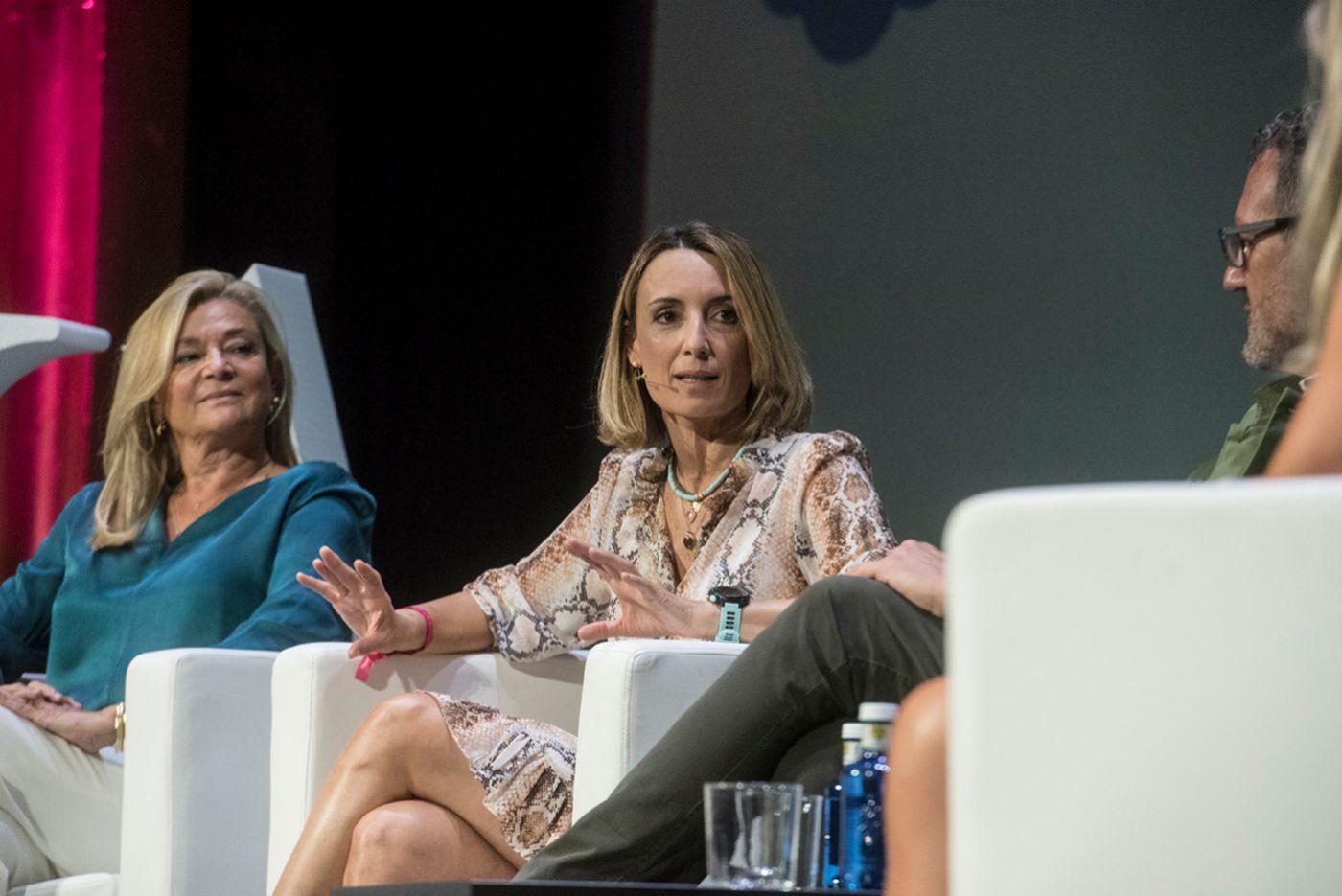 Patri Psicóloga, columnista de TELVA.com. A su derecha, Elena Pérez, cofundadora de Futurlife 21.