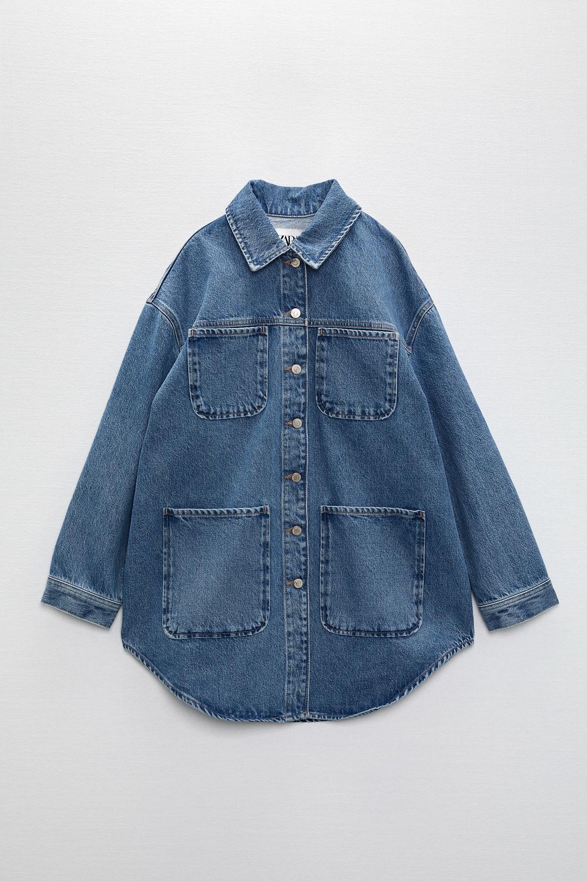 La chaqueta vaquera de la colección cápsula.