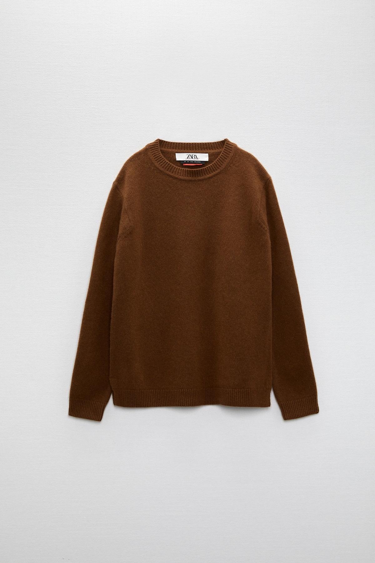 Uno de los suéters de la colección.