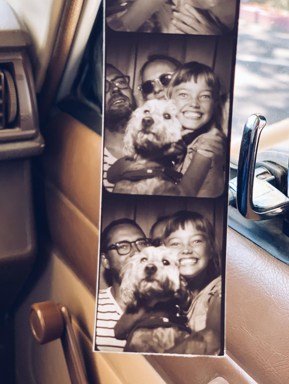 """""""Así comenzó nuestro último roadtrip: en un fotomatón californiano. Lo único que sabíamos era que nos esperaban más de 3.200 kilómetros hasta Chicago"""". (Birgit Sfat)"""