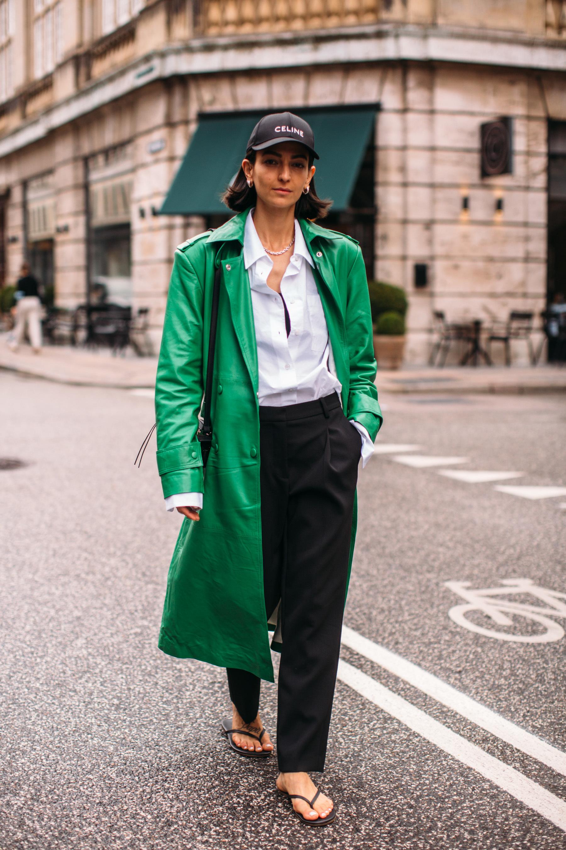 Verde esmeralda en su versión en piel.