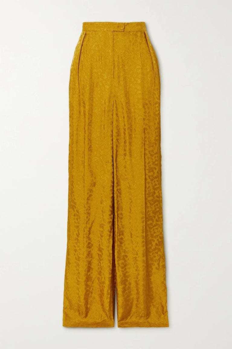 Pantalón satinado de la colección pre-fall 2021 de Erdem.