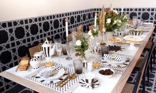 Mesa decorada con productos de la tienda de Cristina Oria.