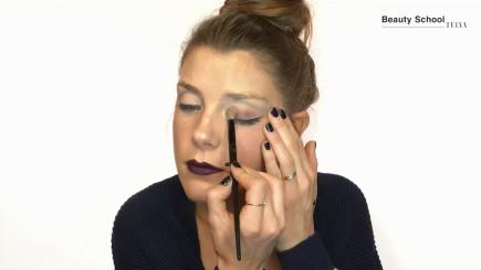 Maquillaje de día con labios oscuros