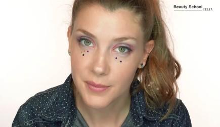 Maquillaje de festival con estrellitas