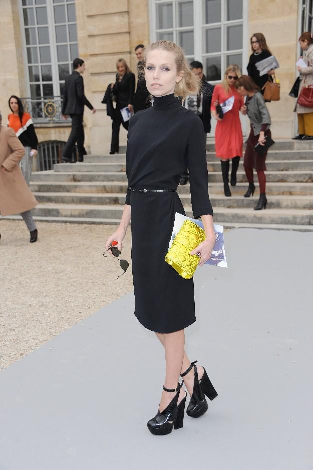 Theodora Richards en la París Fashion Week