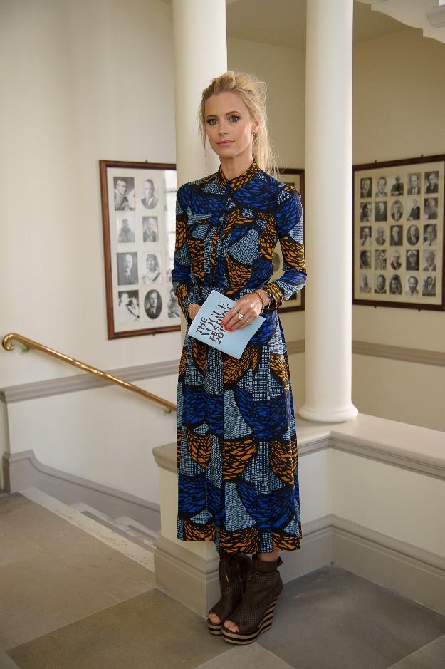 Laura Bailey con un look de inspiración étnica de Burberry Prorsum