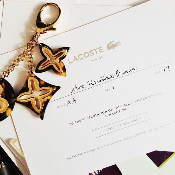 Kristina Bazan - Invitación para el desfile de Lacoste