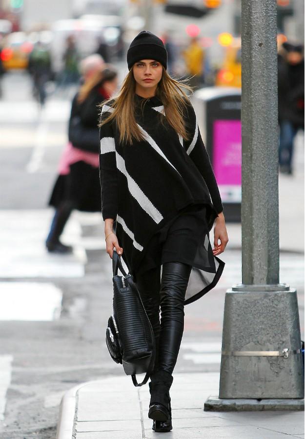 Cara Delevingne con pantalones de cuero - Leather pants