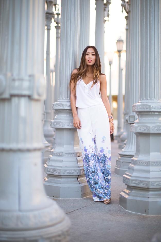 Aimee Song - Song Of Style - Adlib con pantalones palazzo con estampado floral a la acuarela.