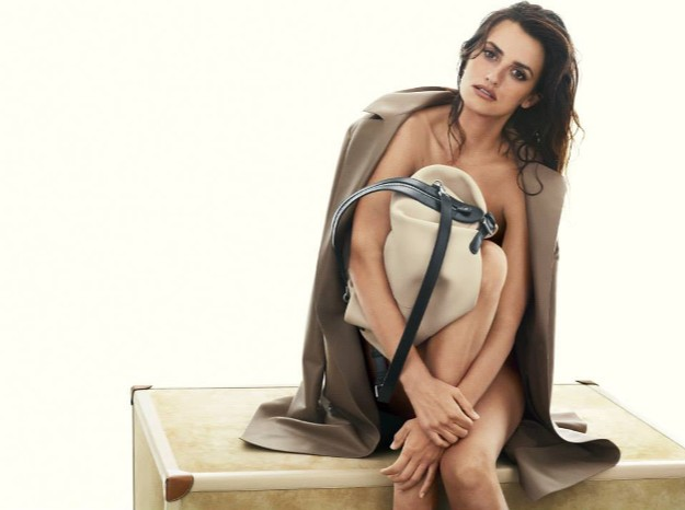Loewe's SS2014 Campaign. The new 'Pillow' bag.