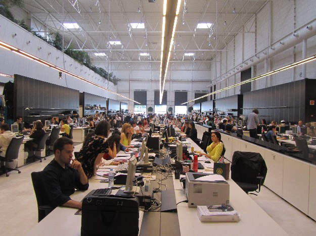 Trabajadores en El Hangar Design Centre