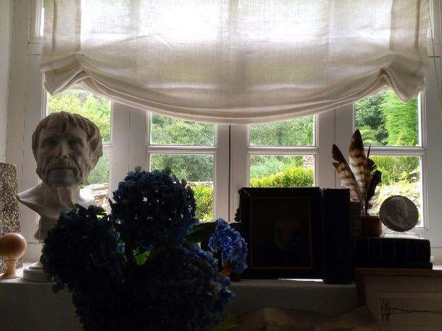 Otra de las ventanas de la casa