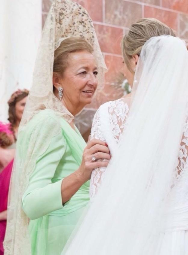 b9be92e806 Planes de boda - Looks de madrina y madre de novia