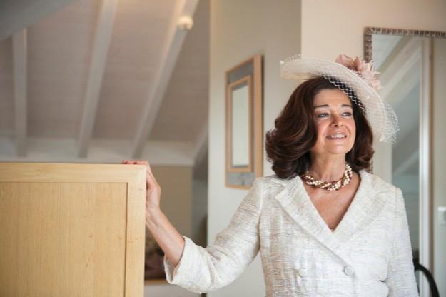 Foto: Mercedes Blanco. Tocado de Rita Von y traje de Purificación García