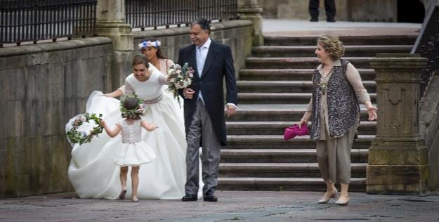 Foto: Rodrigo Cores. Vestido novia y madre: Marcos Luengo