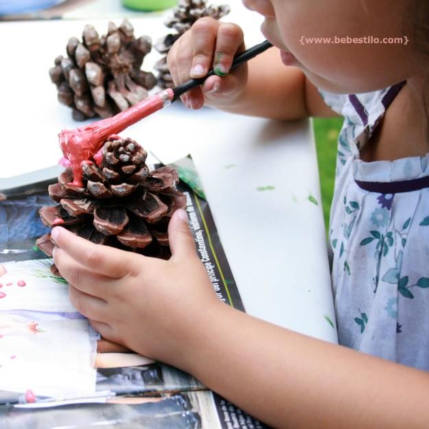 planes con niños pintar piñas