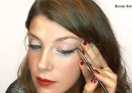 ¿Cómo hacer un eyeliner con glitter?