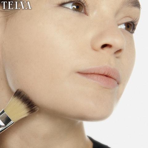 Maquilla los contornos con el resto de maquillaje que hay en la brocha - TELVA