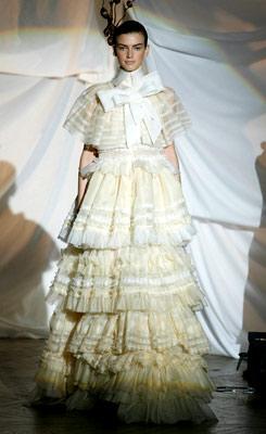 85c487620 Vestidos de novia. Diseñadores de novia. Josep Font. - Novias Telva.com